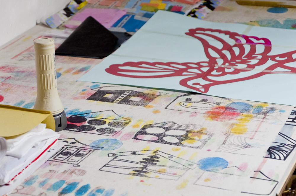 色で遊ぶ異色のテキスタイルデザインユニット mosimosi