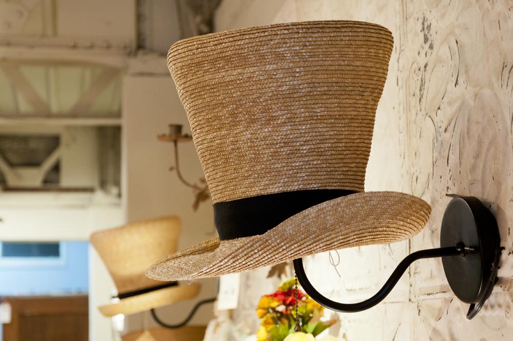 PIC-UP ITEMS -麦わら帽子のランプシェード-