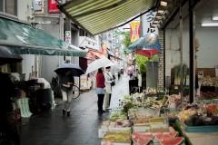 豊富な品揃え:「観光とローカルの間」東京・砂町銀座商店街